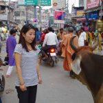 インドのバラナシで日本の家族を想う